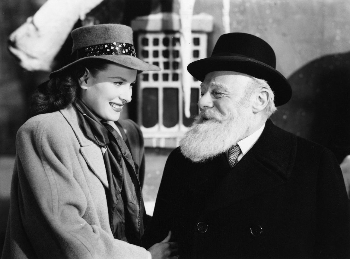 Maureen O'Hara and Edmund Gwenn in a scene from MIRACLE ON 34TH STREET, 1947.