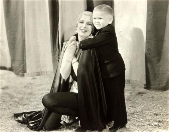 Imagen de Freaks © 1932. Película producida por Metro-Goldwyn-Mayer (MGM). Todos los derechos reservados.