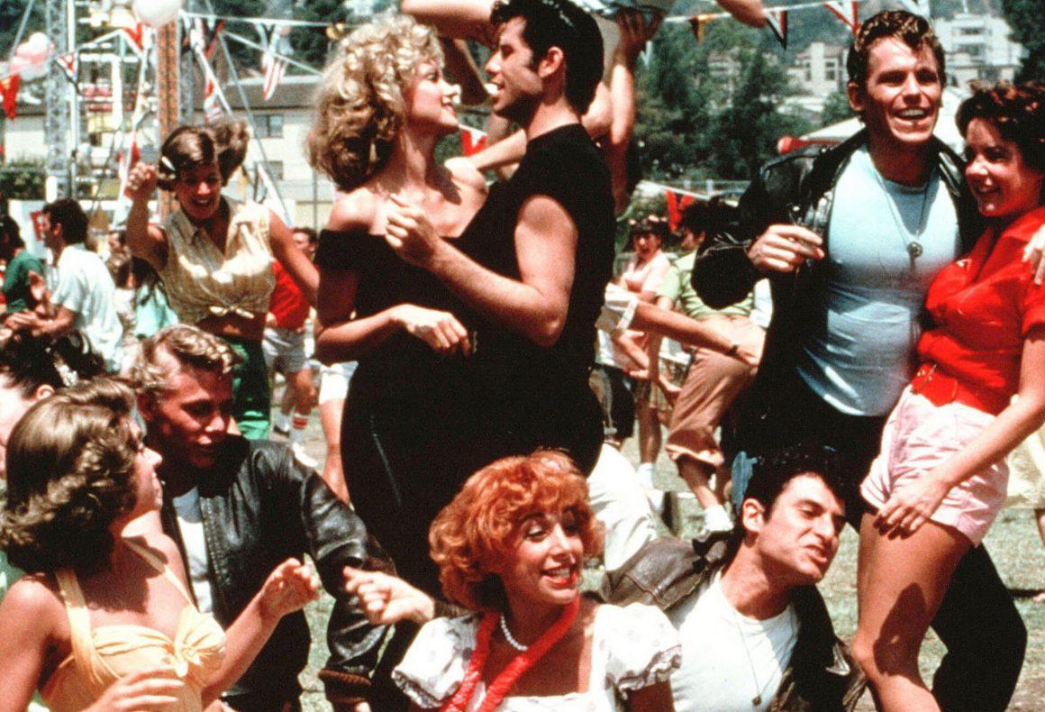 """Imagen de """"Grease"""" © 1978 Paramount Pictures, Robert Stigwood Organization (RSO), Allan Carr Production. Distribuida por Paramount Home Entertainment. Todos los derechos reservados."""